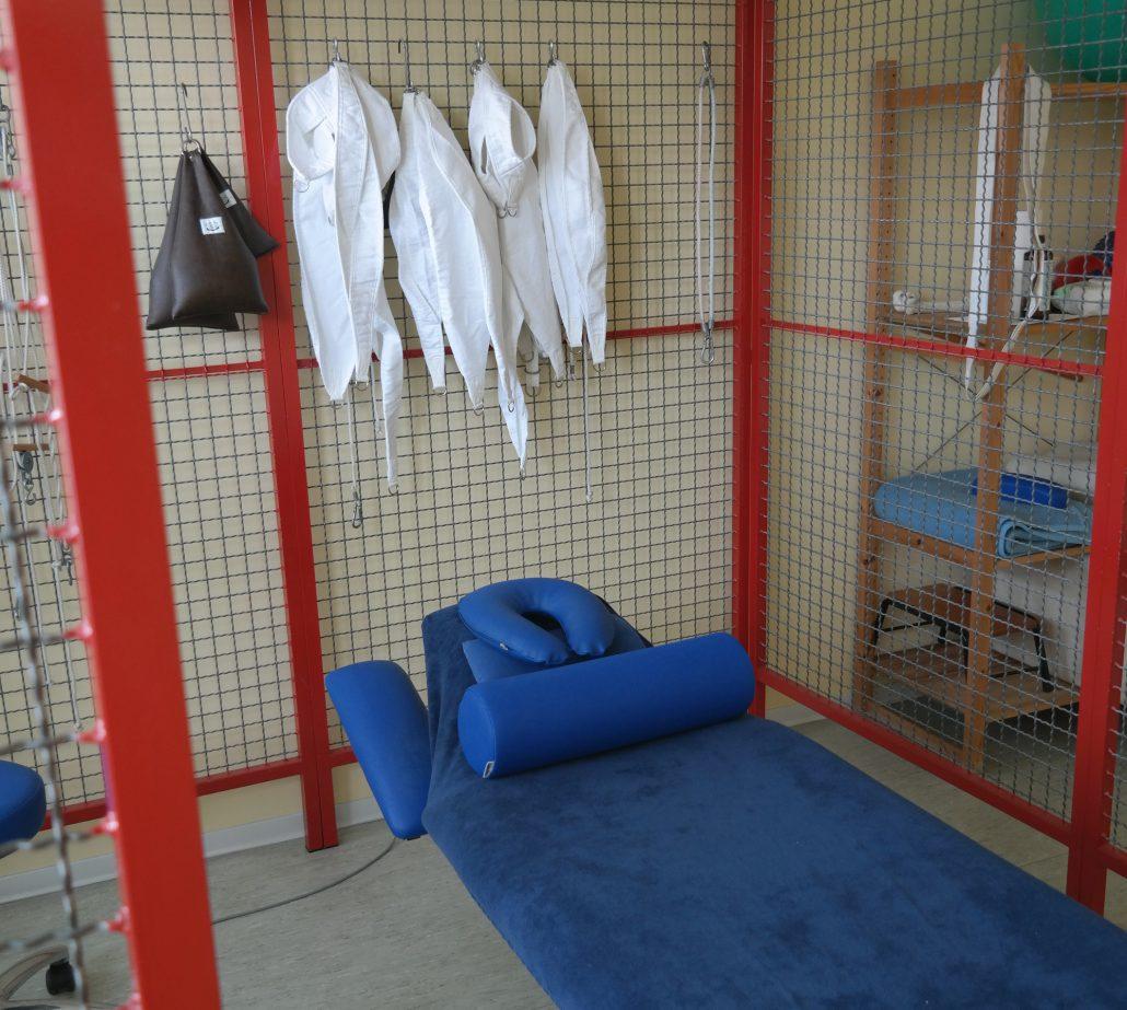 Schlingentisch zur physiotherapeutischen Behandlung